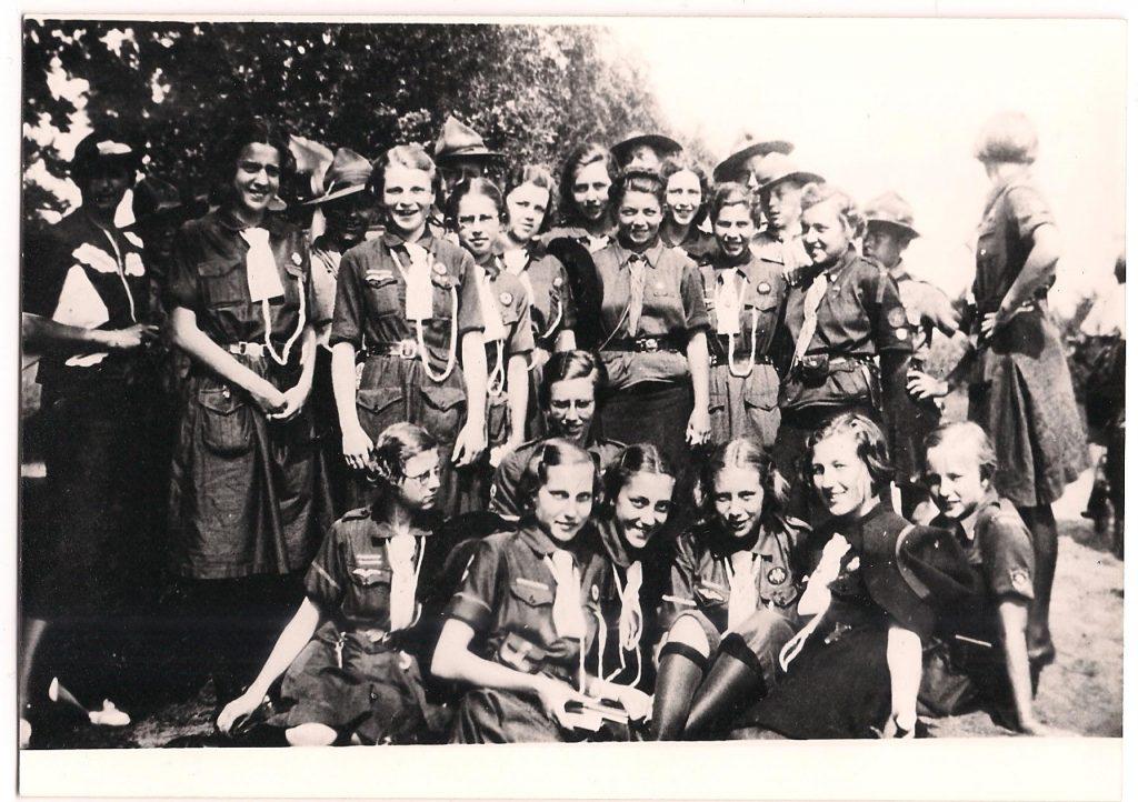 Padvindsters van de Delmogroep en padvinders van de Zoomgroep bijeen, 1938