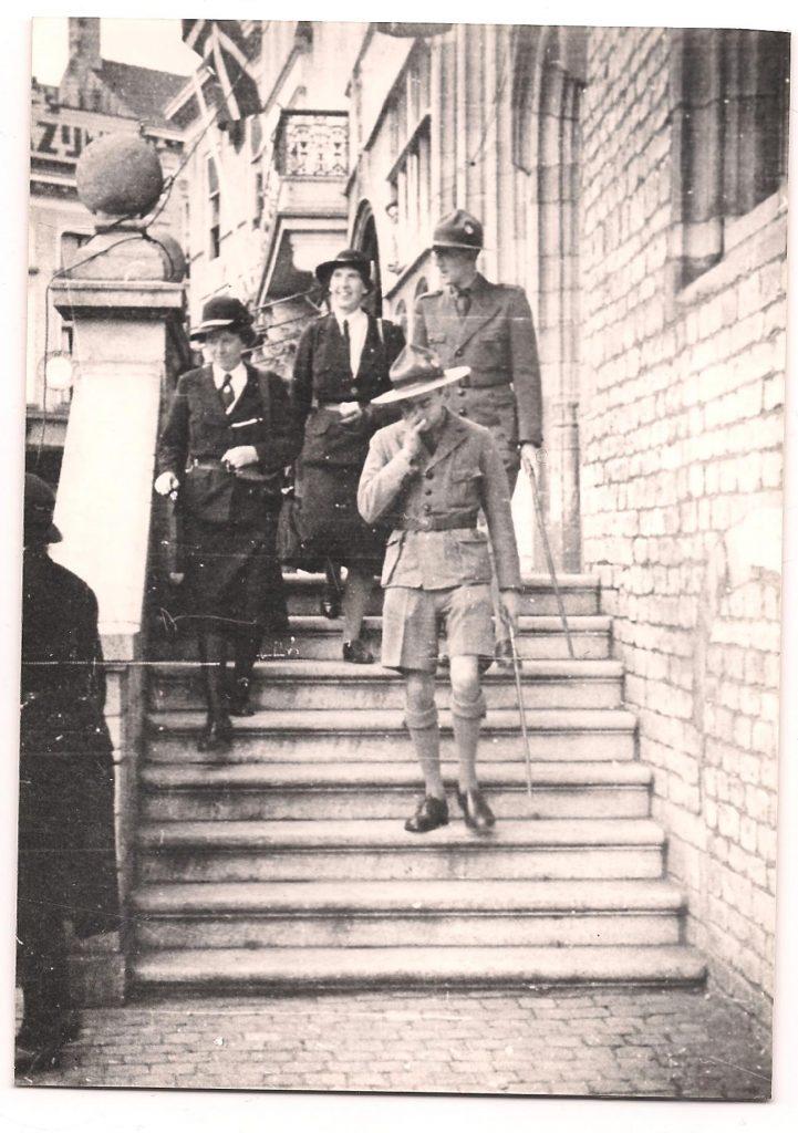 Lady Baden-Powell (midden) bezoekt Bergen op Zoom, 5 oktober 1946